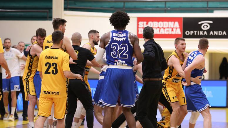 Žestoko na Gripama: U finalu Zadra i Splita sukobila se dva srpska košarkaša na parketu!