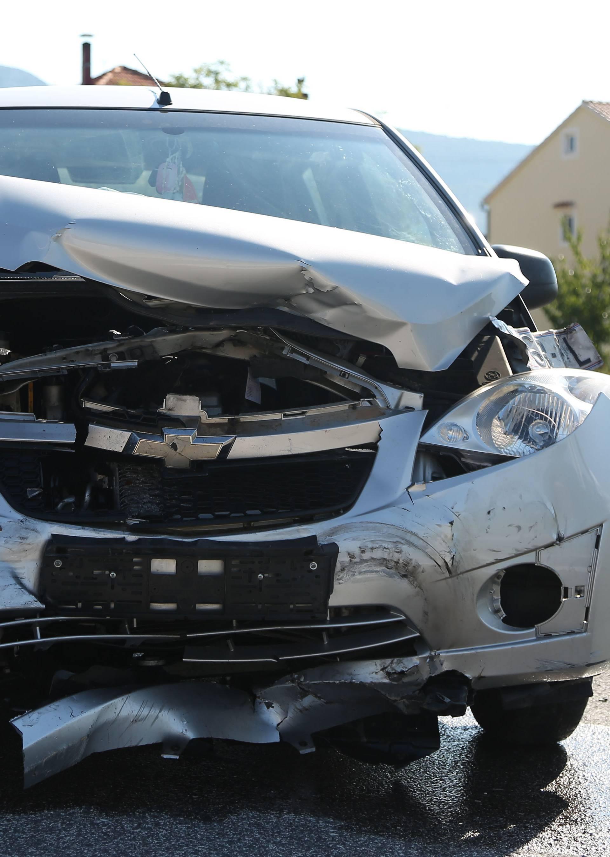 Sudarila se dva auta u Dubravi kod Šibenika: Troje ozlijeđenih