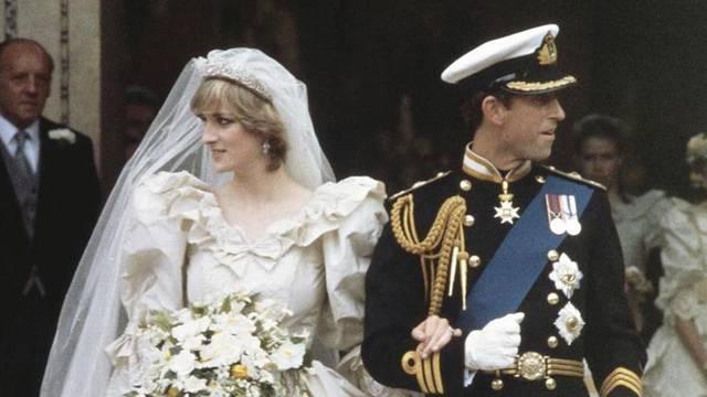 Nisu htjeli razvod, no kraljica ih natjerala: Dosta je skandala