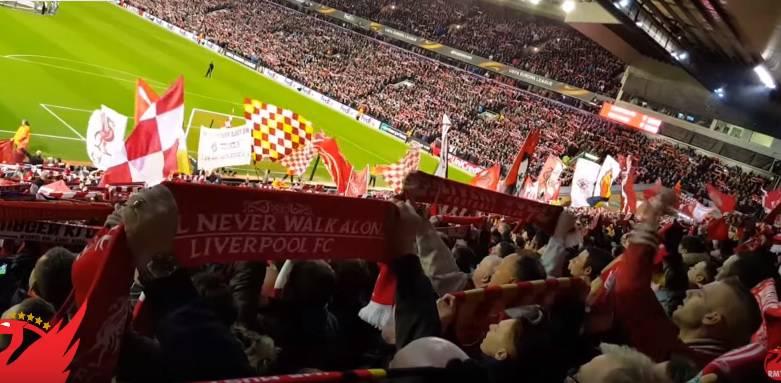 """You'll never fly alone: Navijači Liverpoola """"prizemljili"""" avion"""