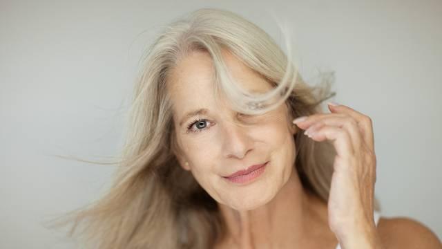 Želite prirodnu sijedu kosu? Ove stvari trebate znati prije