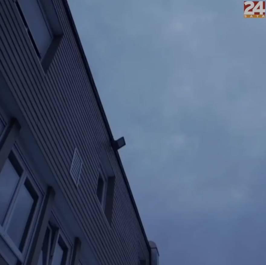 Gorući kaskader skočio s krova zgrade