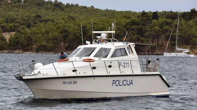 Ilegalno lovio školjke na Krku: Uzeli mu ih i vratili u more