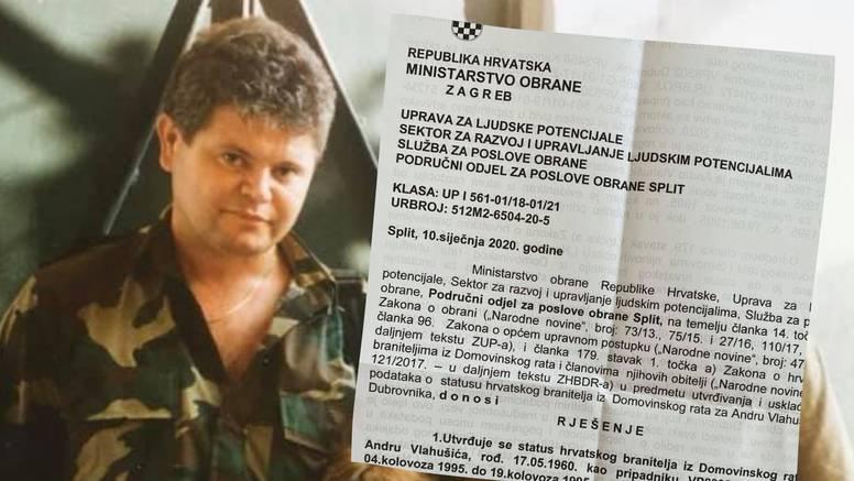 Vlahušiću status branitelja zbog 15 dana rada u Sanitetu