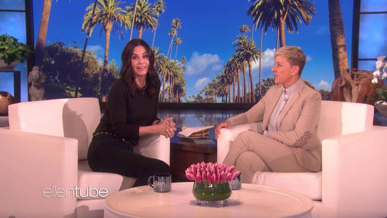 Ellen uselila kod Courteney Cox: 'Iskreno, grozna si cimerica! Uzela si obje strane kupaonice'