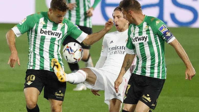 Španjolcima puna usta Modrića: Igra u spektakularnoj formi, kad on ima loptu, Real dominira