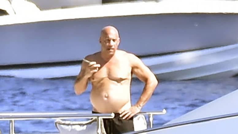 Paparazzi 'ulovili' Vina Diesela, a fotke iznenadile fanove: 'Brz i žestok ili debeljuškasti tatica?'
