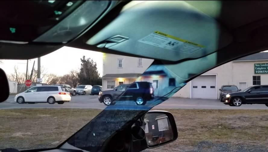 Mlada inovatorica riješila je problem slijepe točke u autima