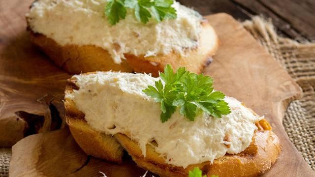 Brza i zdrava večera: Bruschette s pjenicom od oslića ili bakalara