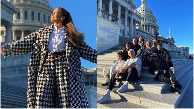 J.Lo prije inauguracije pozirala s ekipom, nitko nije nosio maske
