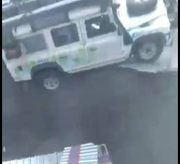 Cesta progutala vozilo, obitelj se zadnji čas uspjela spasiti