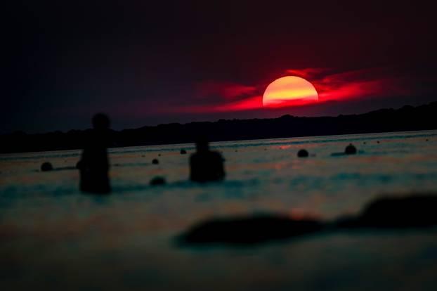 Fažana: Kupanje uz prekrasan zalazak sunca