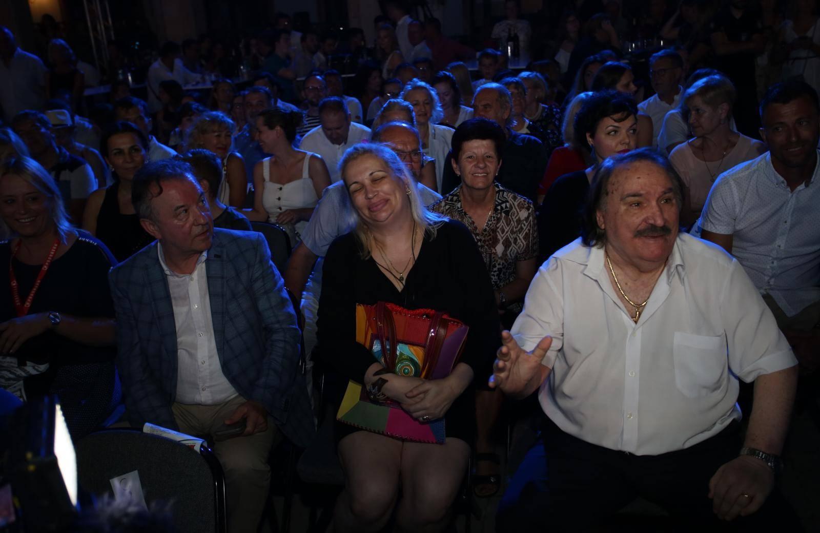 Na 'svoju večer' stigao i Mišo, publika ga dočekala ovacijama