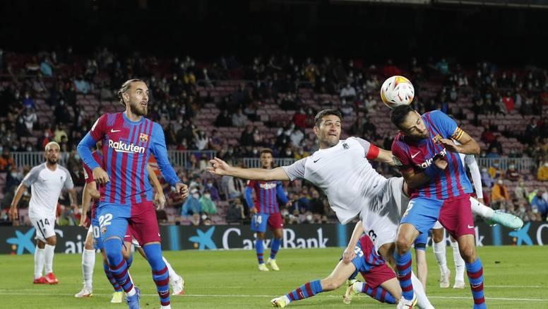 Koemanu visi klupa: Barcelona jedva do boda protiv Granade!