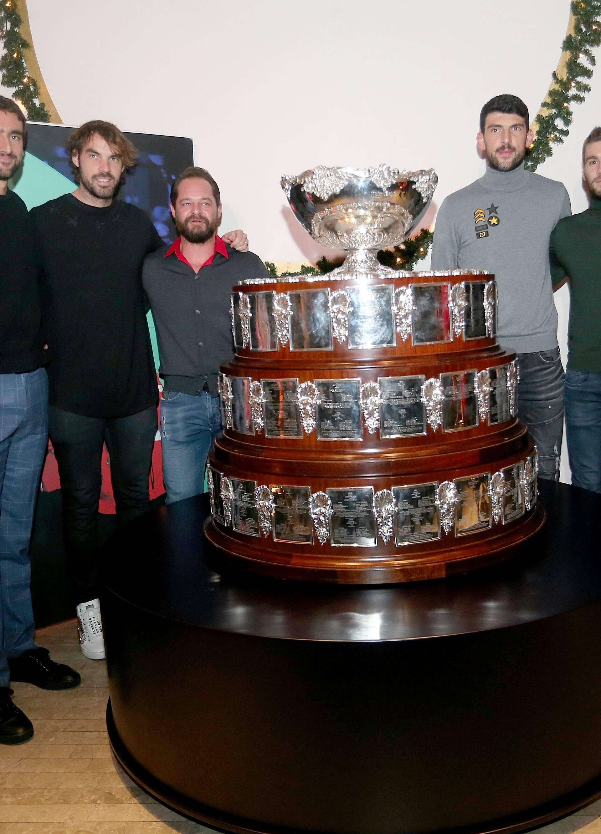 Zagreb: Trofej Davisovog kupa stigao u Hrvatsku i izložen je u Muzeju za umjetnost i obrt