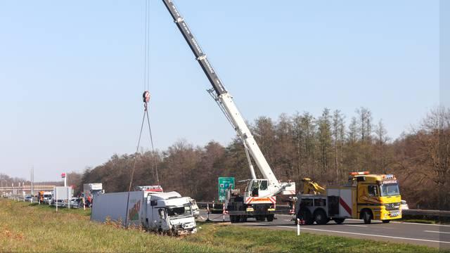 U prometnoj nesreći na autocesti A1 smrtno stradale četiri osobe