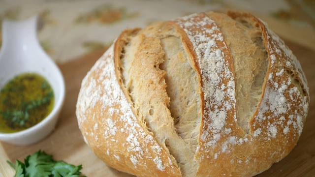 Namočite stari kruh i stavite u pećnicu - bit će finiji no ikad