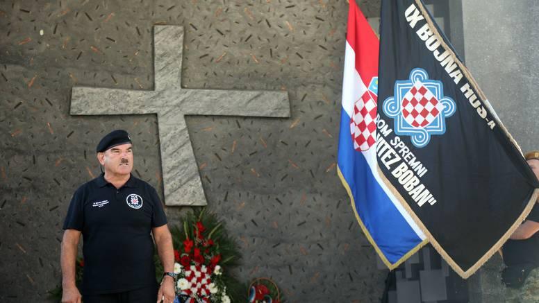Skejo je i ove godine u Kninu uzvikivao - Za dom spremni: 'Srpskoj kobri satrali smo glavu'