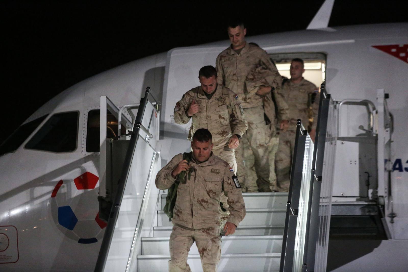 Zagreb:  Povratak pripadnika 11. HRVCON-a iz Afganistana