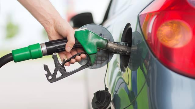 Cijena benzina porasla za 10 lipa po litri, a dizel ostao isti