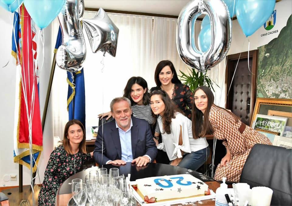 Čestitke, konfeti, torta: Bandić proslavio 20 godina mandata