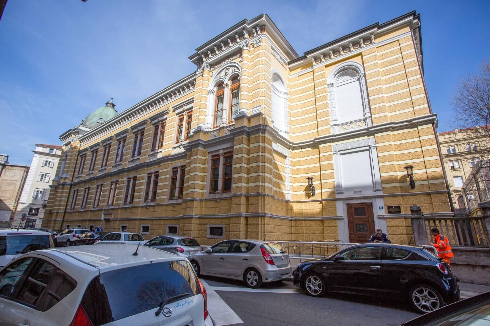 Rijeka: Zgrada OÅ Scuola elementare Dolac