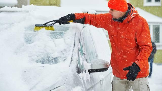 Želite brzo odmrznuti auto? Ovo je deset najboljih savjeta