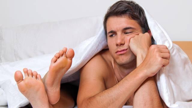 Odjednom vas odbija u krevetu? 10 skrivenih razloga zbog kojih muškarci ne žele seks s vama