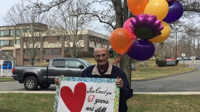 'Volio sam te 67 godina. I dalje te volim... Sretna godišnjica!'