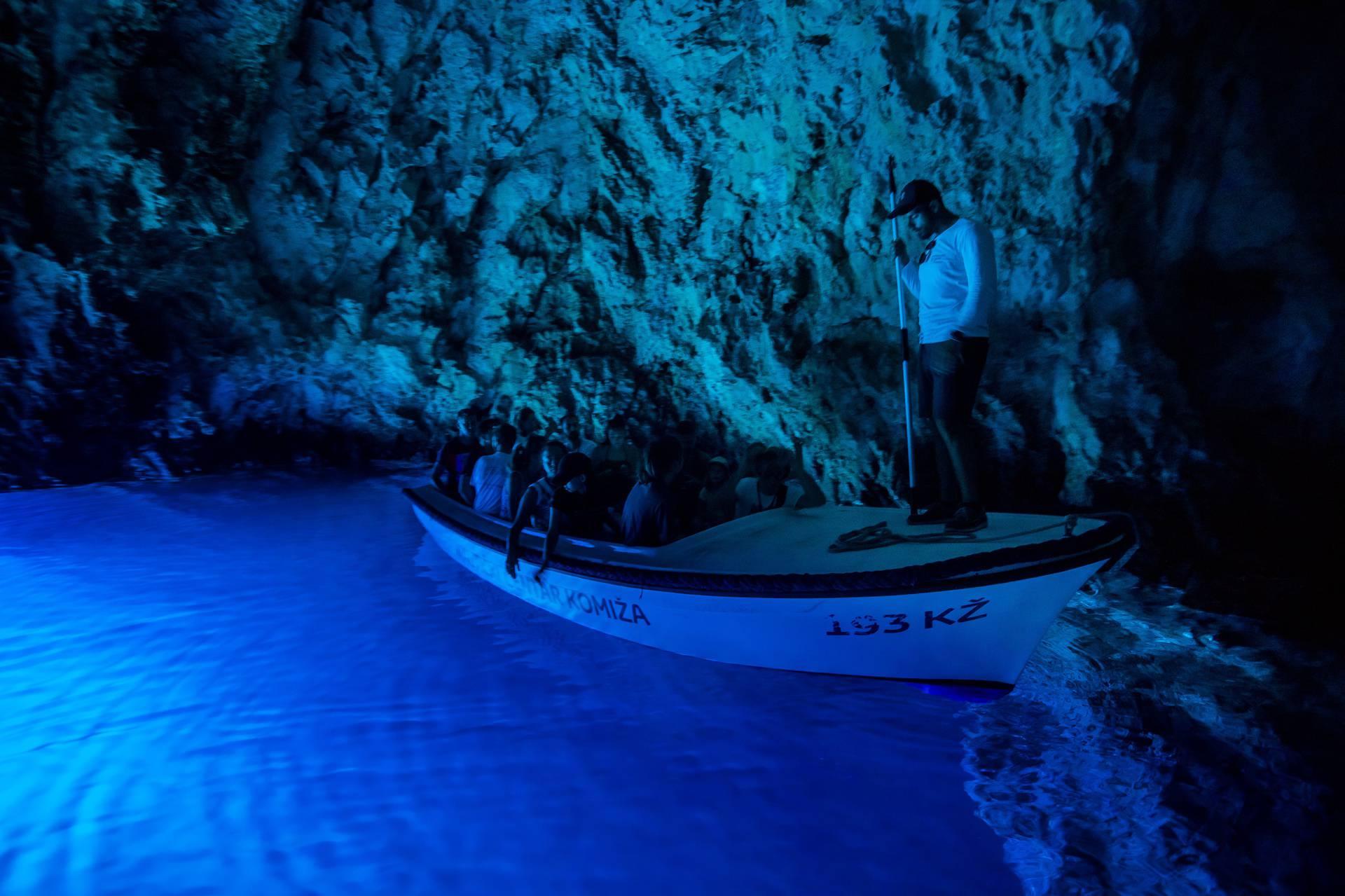 Modra špilja hit među turistima