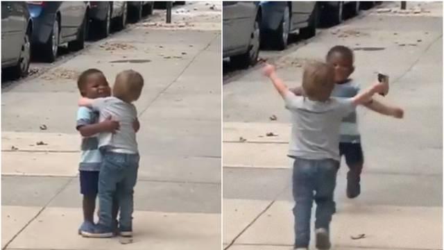 Dva dječaka prijatelja