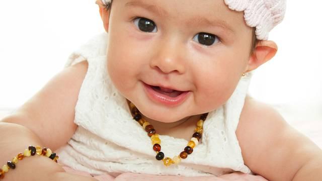 Djelovanje je upitno: Jantarne ogrlice mogu izazvati gušenje