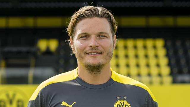 Soccer 1st Bundesliga / press appointment team photo Borussia Dortmund.