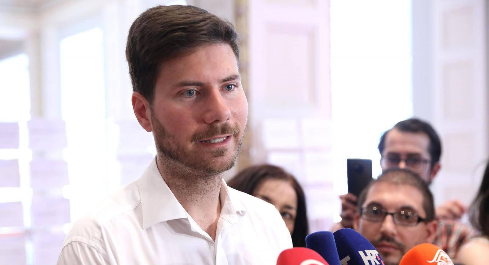 Zagreb: Ivan Pernar objavio kako napušta Živi zid