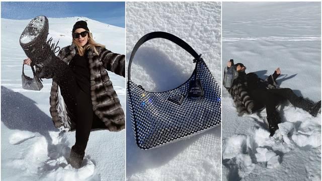 Kakav luksuz: Žena Dinamovca 'bacala' se u snijeg s Prada torbicom optočenom kristalima