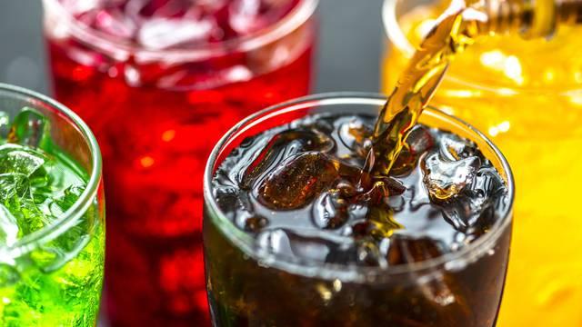 Dva zaslađena gazirana pića na dan - veći rizik za raniju smrt