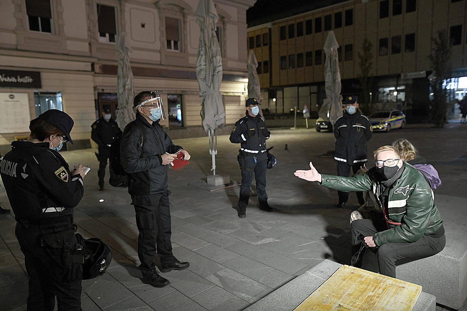 Protest proti policijski uri