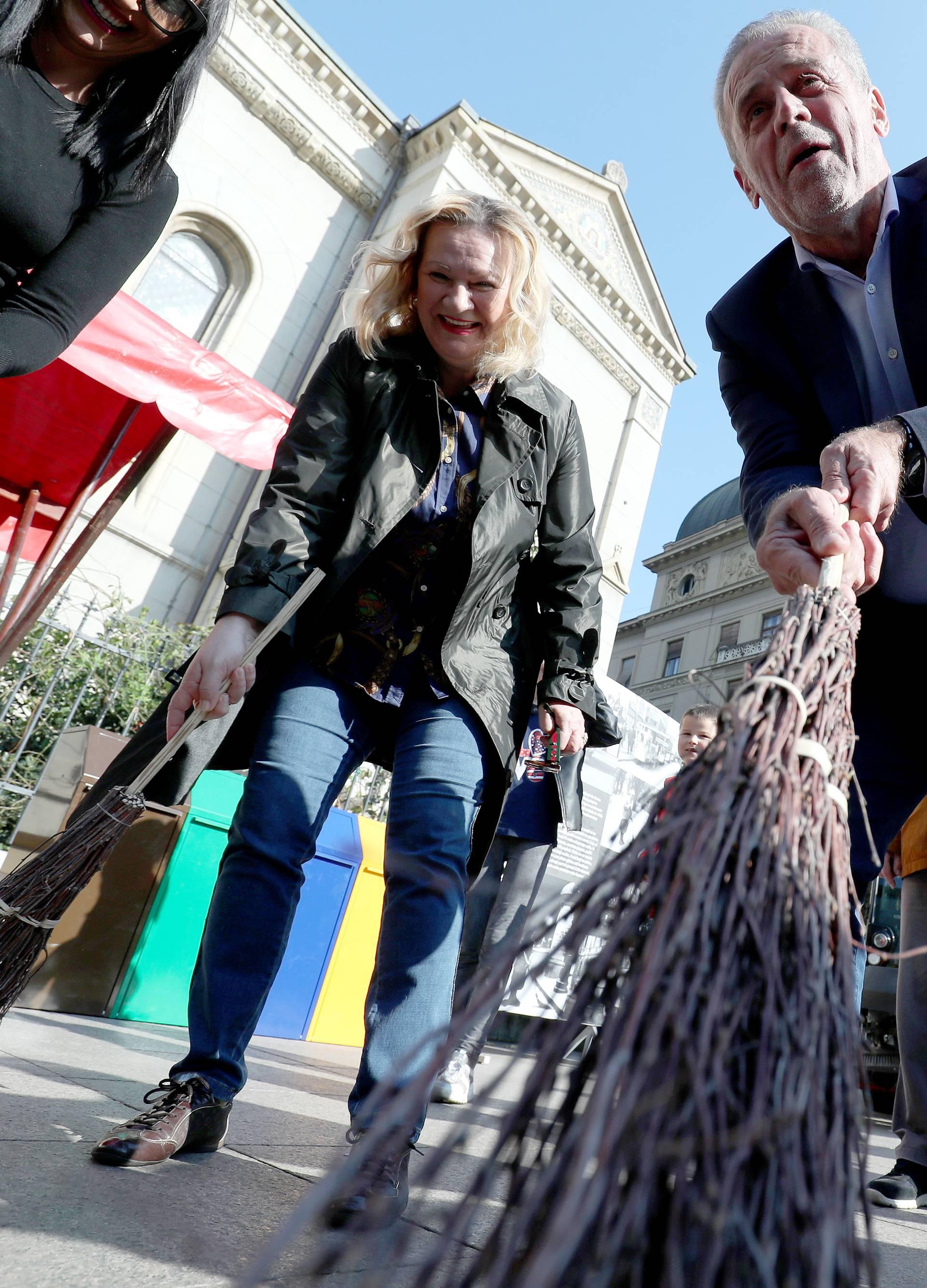 Zagreb: Bandić u društvu građana sudjelovao u edukaciji o odvojenom sakupljanju otpada