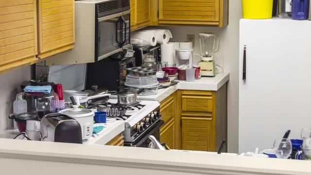 Izbacite nepotrebno iz kuhinje: Razne vrste rezača, mjerice i 'popularno posuđe za goste'