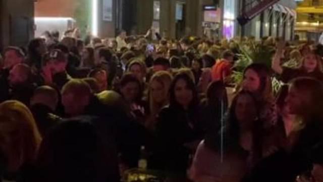 Vlasnik kraj čijeg kafića je sinoć bio 'korona party' u Zagrebu: 'Ne možemo tjerati ljude s ulice'