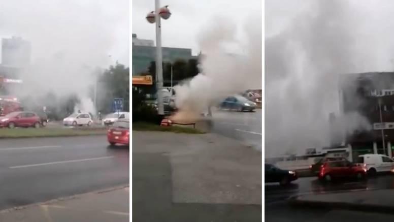 Zapalio se auto nasred ceste u Zagrebu: 'Sve je bilo u dimu!'