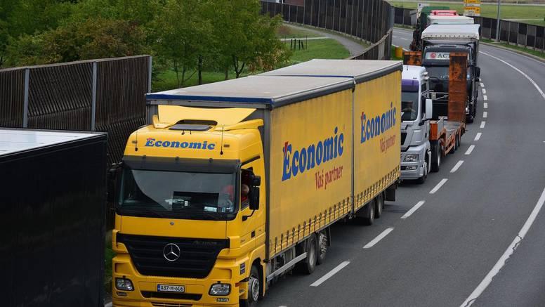 Vozači kamiona iz BiH najavili mogućnost blokade granice s Hrvatskom: 'Stanje je kaotično'