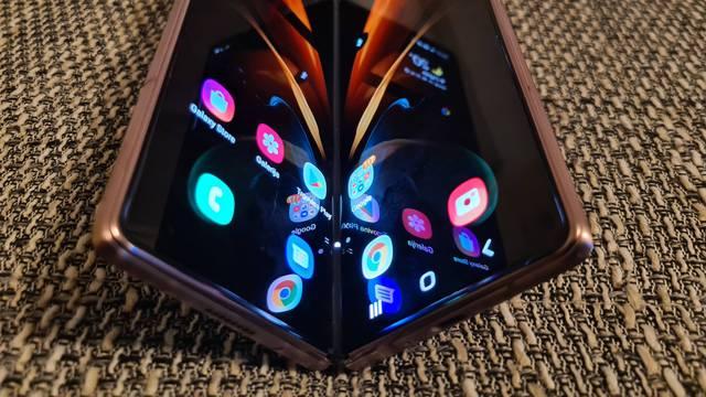 Isprobali smo Samsung Galaxy Z Fold 2: Preklopna uživancija