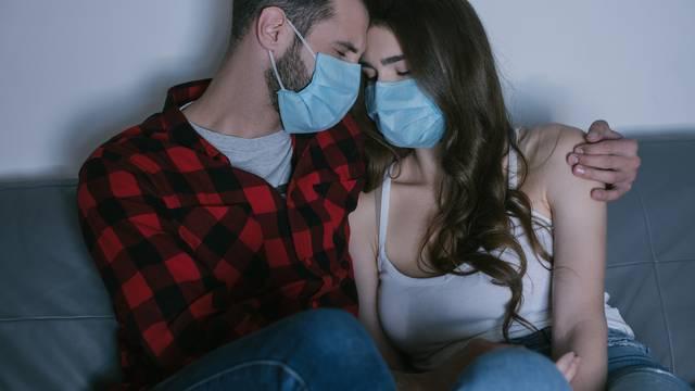 'Izbjegavajte puse i lice uz lice tijekom seksa ali nosite masku!'