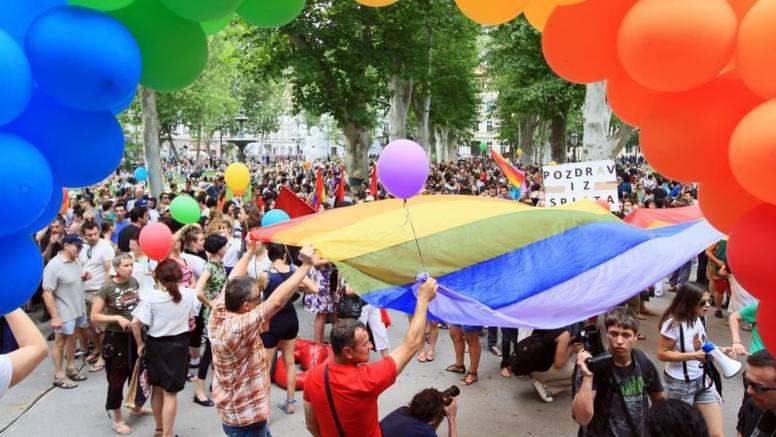 Marijana Petir (HSS) homofob desetljeća, Pusić homofrend