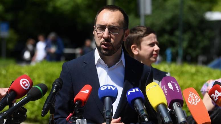 Tomašević: Pitajte Škoru kako to da ima plakate po Zagrebu,  a kaže da je potrošio nula kuna