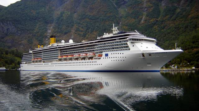 Virus ušao na brod: 90 članova posade kruzera je pozitivno