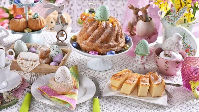 7 predivnih uskrsnih slastica: Rožata, kuglof, makovnjača...