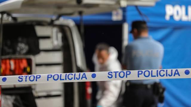 Zagreb: Očevid u Trnju gdje je na parkiralištu pronađen mrtav muškarac