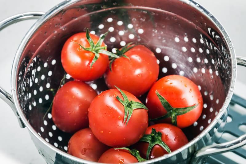 Jednostavan trik iz restorana za više užitka u rajčicama kod kuće